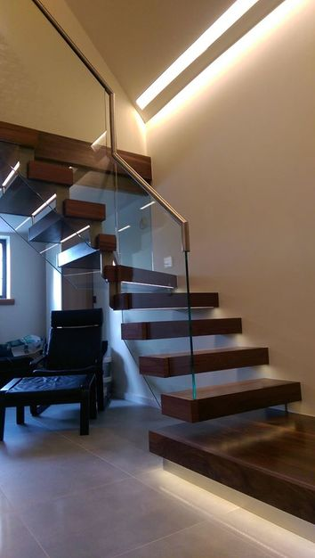 Smart lighting for a staircase
